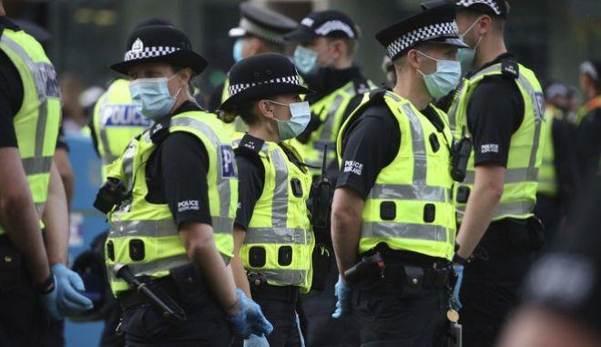 Βρετανία: Επίθεση με μαχαίρι στο Ρέντινγκ - Τρεις νεκροί και 2 τραυματίες