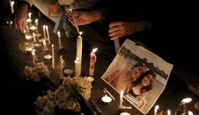 Φόρος τιμής στα θύματα του ουκρανικού Boeing