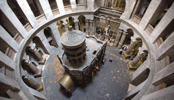 Λουκέτο στον ναό του Παναγίου Τάφου λόγω κρίσης