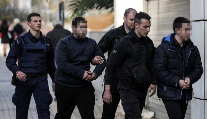 Οι κατηγορούμενοι για την δολοφονία της φοιτήτριας Ελένης Τοπαλούδη στη Ρόδο στο Μεικτό Ορκωτό Δικαστήριο της Αθήνας