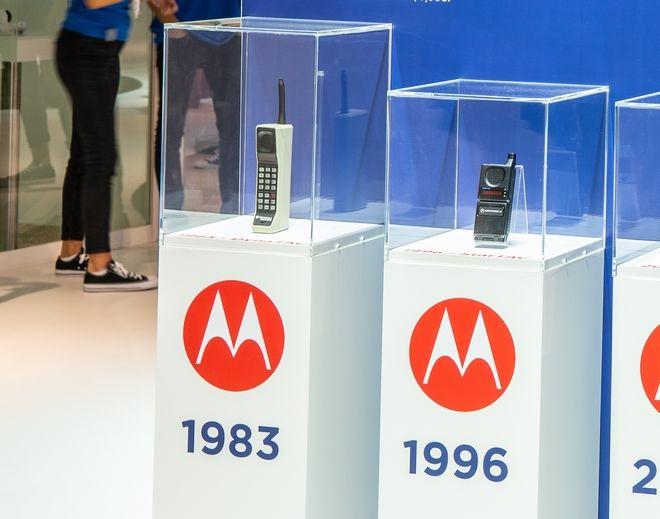 H πρώτη συσκευή που πουλήθηκε το 1983.