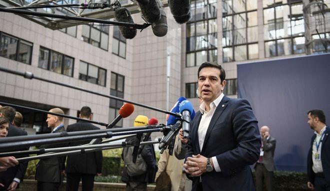Σύνοδος Κορυφής της Ευρωπαϊκής Ένωσης με επίκεντρο το προσφυγικό και τα σύνορα της Ευρώπης την Πέμπτη 17 Δεκεμβρίου 2015// ΑΦΙΞΗ ΤΟΥ ΠΡΩΘΥΠΟΥΡΓΟΥ ΑΛΕΞΗ ΤΣΙΠΡΑ. (EUROKINISSI/ΓΡΑΦΕΙΟ ΤΥΠΟΥ ΠΡΩΘΥΠΟΥΡΓΟΥ/ANDREA BONETTI)