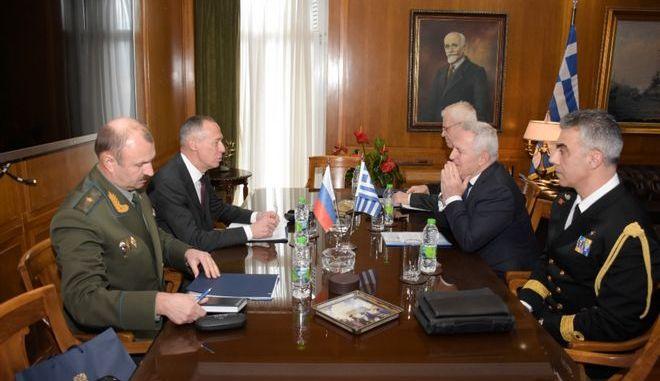Συνάντηση του υπουργού Εθνικής Άμυνας Ευάγγελου Αποστολάκη με τον Πρέσβυ της Ρωσίας, Andrey Maslov