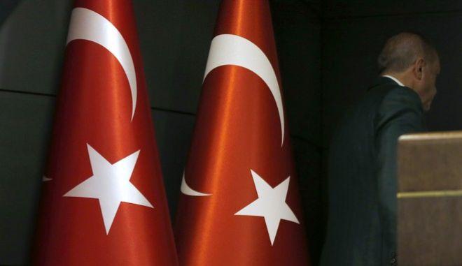 Μεγάλες απώλειες για τον Ερντογάν στις δημοτικές εκλογές