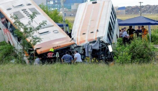 Τραγωδία στην Αργεντινή: 13 νεκροί και δεκάδες τραυματίες σε σύγκρουση λεωφορείων