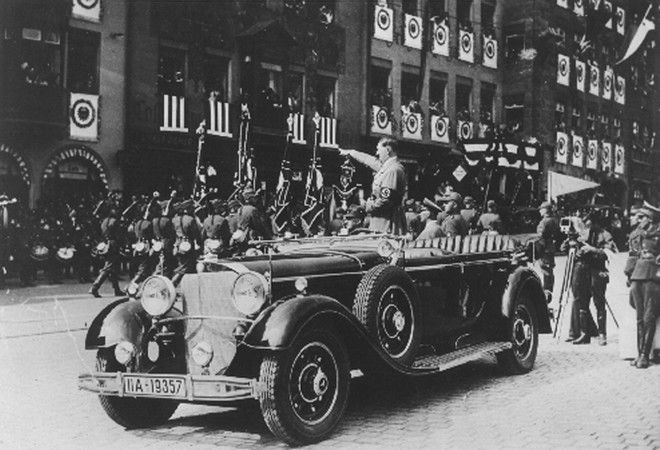 Adolf Hitler's parade reviewing car, a 7,7 liter Mercedes Benz compressor model has been sold to an unknown German nobleman for 190,000 German Marks (47,000 Dollars) a Munich commerdial broker said, December 04, 1998. (AP-Photo)