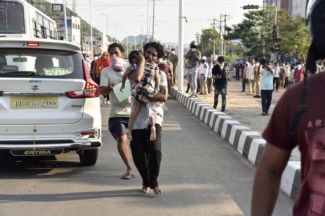 Πανικός στην Ινδία με τη διαρροή αερίου