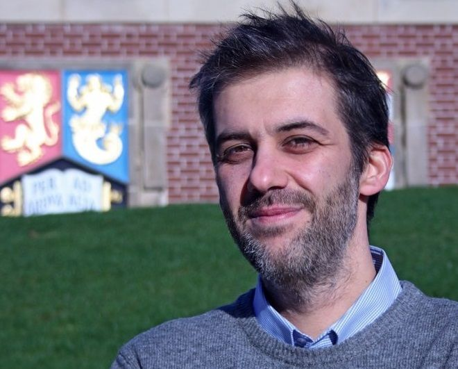 Κώστας Νικολόπουλος: Από το Μενίδι στο CERN και στη μελέτη της σκοτεινής ύλης