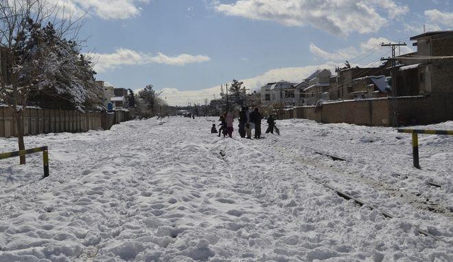 Πολύ χιόνι έπεσε στο Πακιστάν.