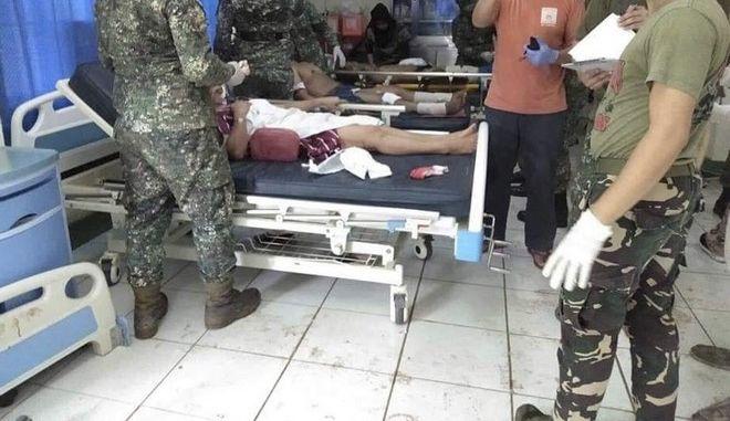 Διπλή βομβιστική επίθεση σε καθεδρικό ναό στις νότιες Φιλιππίνες