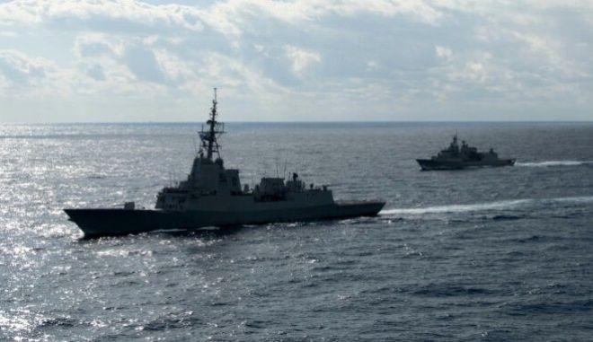 Πολεμικό Ναυτικό: Κοινή άσκηση με αιγυπτιακή φρεγάτα στην Αλεξάνδρεια