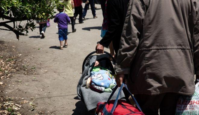 Η Κρήτη δείχνει τον δρόμο: Ανοίγει σπίτια και ξενοδοχεία για 2.000 πρόσφυγες