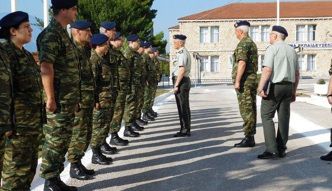 Περιοδεία αρχηγού ΓΕΣ σε στρατιωτικές μονάδες