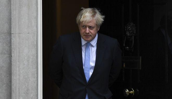 Ο Βρετανός πρωθυπουργός Μπόρις Τζόνσον στην Ντάουνινγκ Στριτ