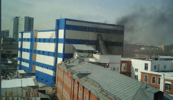 Μόσχα: Φωτιά σε εμπορικό κέντρο - Τουλάχιστον ένας νεκρός