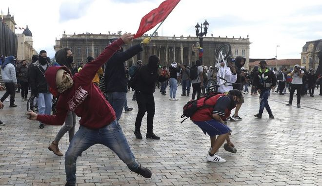 Συνεχίζονται οι ταραχές στην Κολομβία
