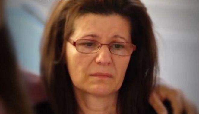 """Πατροκτόνος Ζακύνθου: Συγκλονίζει η μητέρα του - """"Θυσιάστηκε για να σώσει την οικογένειά του"""""""