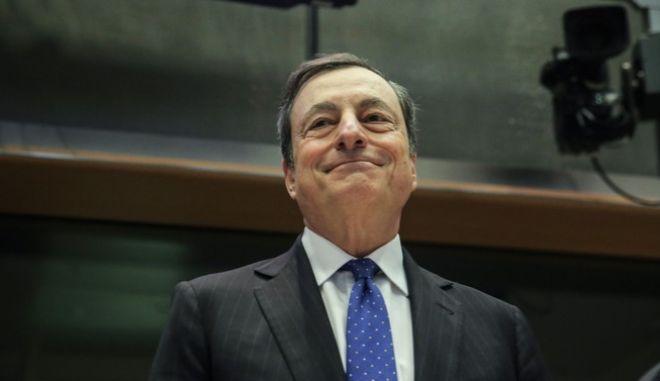 Ντράγκι: Η βελτίωση της ελληνικής οικονομίας αντανακλάται στις αγορές