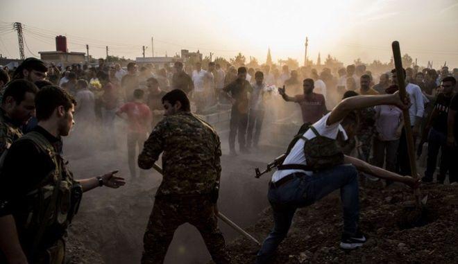 Η επιστροφή του ISIS: Εκτελέσεις με συνοπτικές διαδικασίες στη Συρία