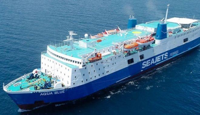 Πρόσκρουση του πλοίου Aqua Blue στο λιμάνι της Σκιάθου