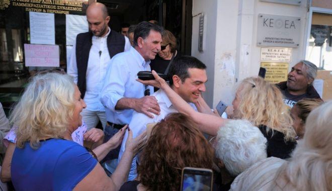 Από την επίσκεψη του Αλέξη Τσίπρα στην Πάτρα.