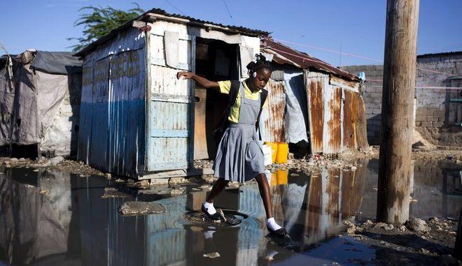 Παραιτήθηκε ο γενικός διευθυντής της Oxfam για το σεξουαλικό σκάνδαλο στην Αϊτή