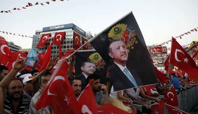 Τουρκία: Εκδηλώσεις για την τρίτη επέτειο από το αποτυχημένο πραξικόπημα του 2016