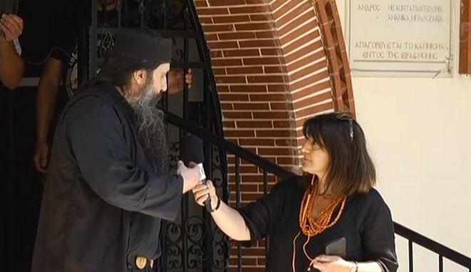 """Ιερέας στην Εορδαία: """"Πληρώθηκαν για να πουν οτι έχασαν συγγενείς απο κορονοϊό"""""""