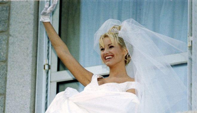 Η Σλοβάκα Ανδριάνα Σκλεναρίκοβα μετά το γάμο της με τον Κριστιάν Καρεμπέ που τελικά διαλύθηκε