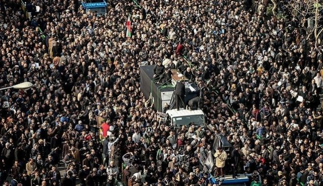 REFILE - CORRECTING TYPO - Mourners take part in the funeral of former president Ali Akbar Hashemi Rafsanjani in Tehran, Iran January 10, 2017. Tasnim News Agency/Handout via REUTERS ATTENTION EDITORS - THIS PICTURE WAS PROVIDED BY A THIRD PARTY. FOR EDITORIAL USE ONLY. NO RESALES. NO ARCHIVE.