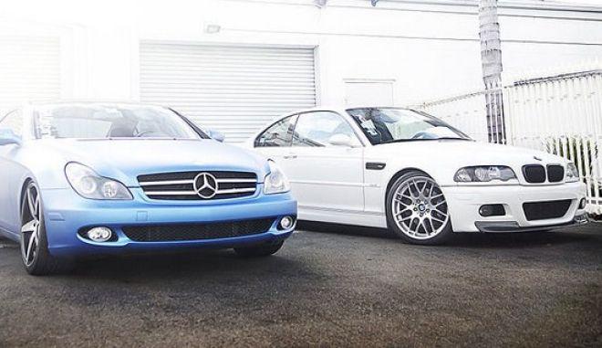 Η BMW γιορτάζει τα 100 της χρόνια και η Mercedes της εύχεται χρόνια πολλά!