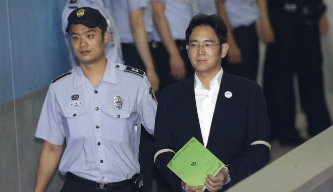 Σε πέντε χρόνια φυλάκιση καταδικάστηκε ο κληρονόμος της Samsung