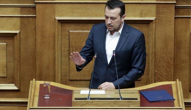 Ο Νίκος Παππάς, στο βήμα της Βουλής