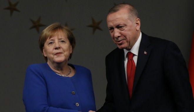 Η καγκελάριος Μέρκελ και ο Ταγίπ Ερντογάν