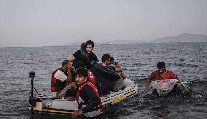 Πρόξενος της Γαλλίας στην Τουρκία πουλούσε φουσκωτές βάρκες σε πρόσφυγες