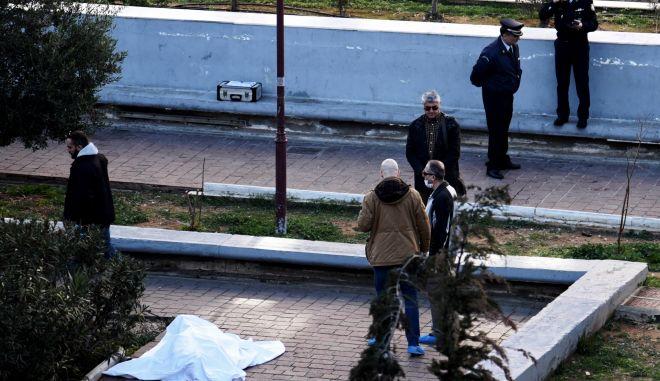 Καταδίωξη στην Πλ. Θεάτρου: Πυροβόλησε και τραυμάτισε αστυνομικό και μετά αυτοκτόνησε