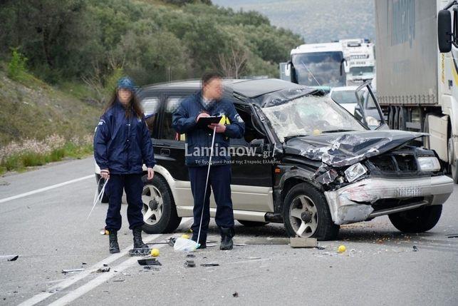 Λαμία: Σοκαριστικό τροχαίο στην είσοδο της πόλης-Απεγκλωβίστηκαν 4 άτομα