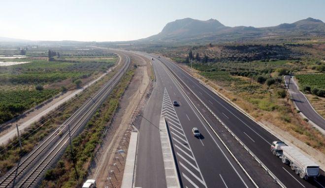 Ολυμπία Οδός το τμήμα από την Κόρινθο μέχρι το Κιάτο (αεροφωτογραφία 5/8/2016) καθώς την ερχόμενη εβδομάδα θα γίνουν τα εγκαίνια. (Eurokinissi-ΝΙΚΟΛΟΠΟΥΛΟΣ ΑΝΤΩΝΗΣ)