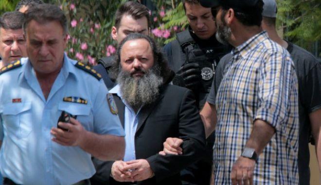 Ο Αρτ. Σώρρας κατά την σύλληψή του (Αρχείο)