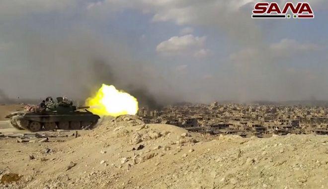 Συρία: Ο στρατός έσπασε την πολιορκία βάσης κοντά στη Δαμασκό
