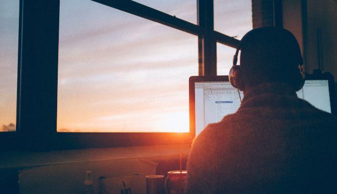 Τέσσερις μέρες εργασία: Ουτοπία, εφιάλτης ή το (άμεσο) μέλλον;
