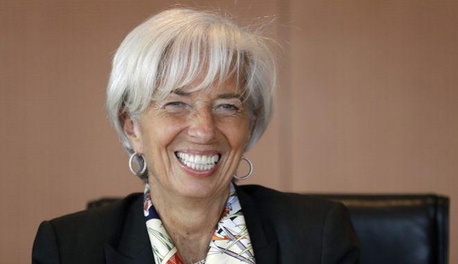 Μέτρα για το χρέος πριν τη Σύνοδο του ΔΝΤ ζητά η Λαγκάρντ