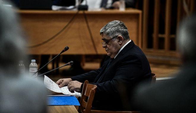 Στιγμιότυποα από την απολογία του επικεφαλής του κόμματος Νίκου Μιχαλολιάκου στη δίκη της Χρυσής Αυγής στο Εφετείο Αθηνών