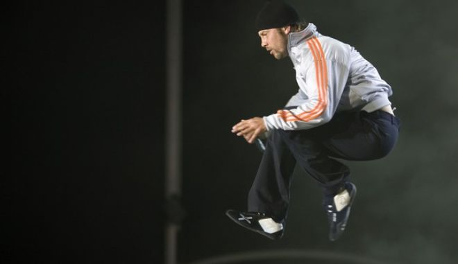 Lead singer Jason Kay, of British band Jamiroquai performs during the Rock in Rio music festival in Arganda del Rey, on the outskirts of Madrid, Friday, July 4, 2008. (AP Photo/Victor R. Caivano)