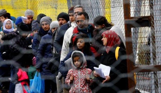 Η Σλοβενία προχωρά σε ανάπτυξη στρατού για τον έλεγχο των προσφυγικών ροών