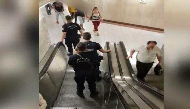 """Οι """"μαύροι πάνθηρες"""" της ΕΛΑΣ μπήκαν στο μετρό"""