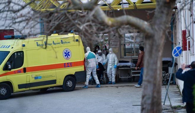 Στιγμιότυπο σπό το νοσοκομείο Αμαλιάδας.