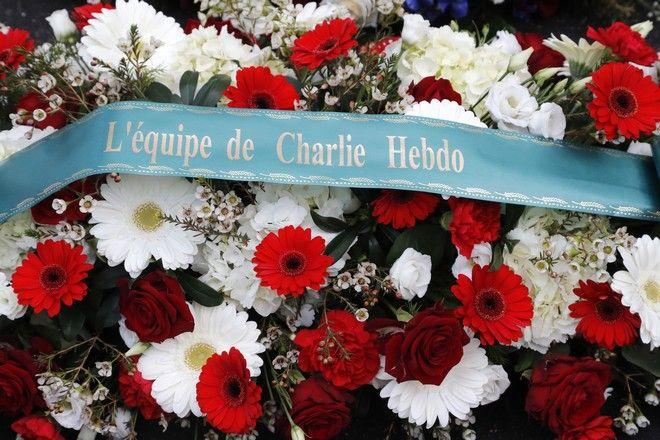 Στεφάνι στη μνήμη των θυμάτων της επίθεσης
