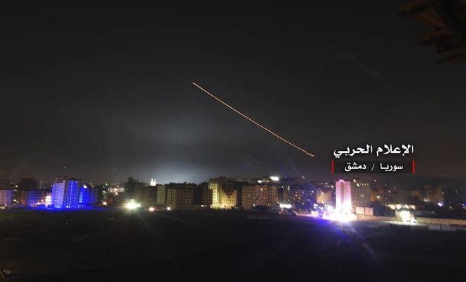 Πύραυλοι που εκτόξευσε το Ισραήλ γύρω από την περιοχή νότια της Δαμασκού στη Συρία