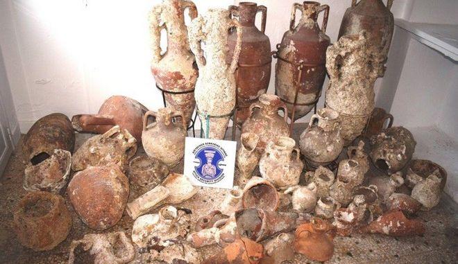 Σύλληψη αρχαιοκάπηλου (Φωτογραφία αρχείου)
